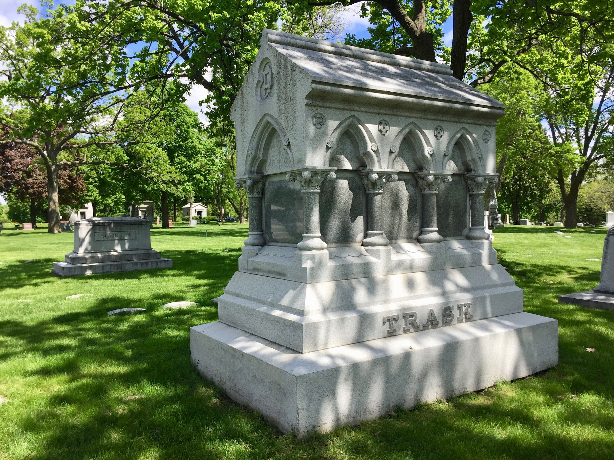 Dudley-Trask monument